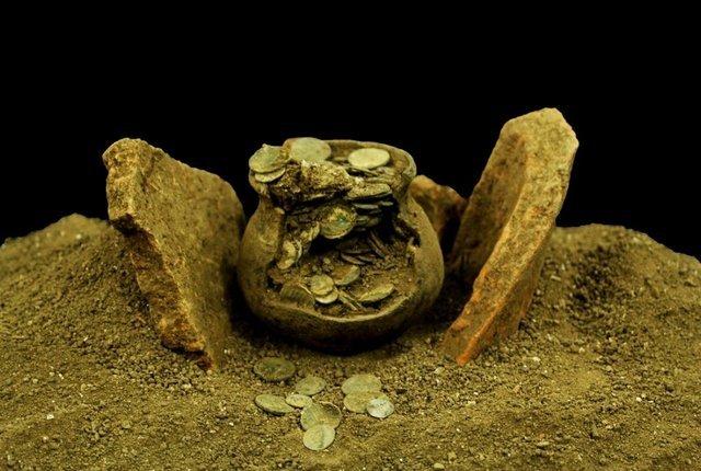 Aizanoi Antik Kenti'nde Roma'nın sikke koleksiyonu bulundu