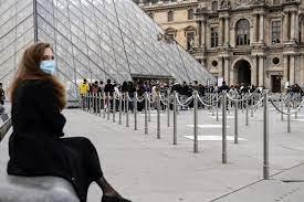 Fransa'da müzeler yeniden açıldı
