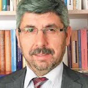 Prof. Dr. Turhan Kaçar